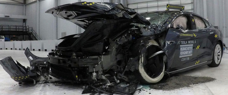 Tesla lance un test grandeur nature de son «Full Self-Driving» (et c'est peut-être une mauvaise idée)