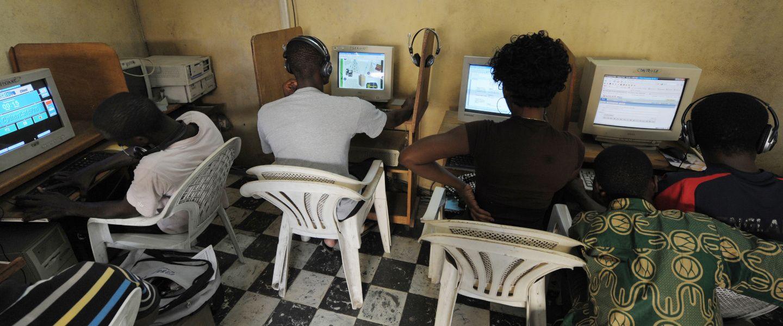 Ces petites mains du numérique qui trompent les GAFAM