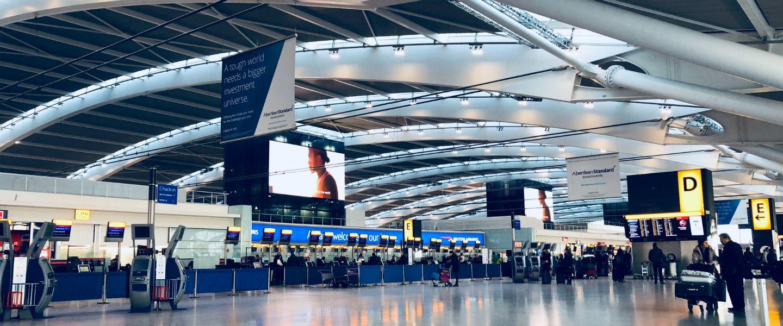 Les portiques d'aéroport discriminent les passagères racisées