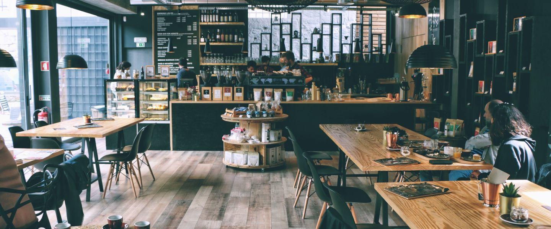 Demain, à la place de vos commerces de proximité, des cafés Facebook