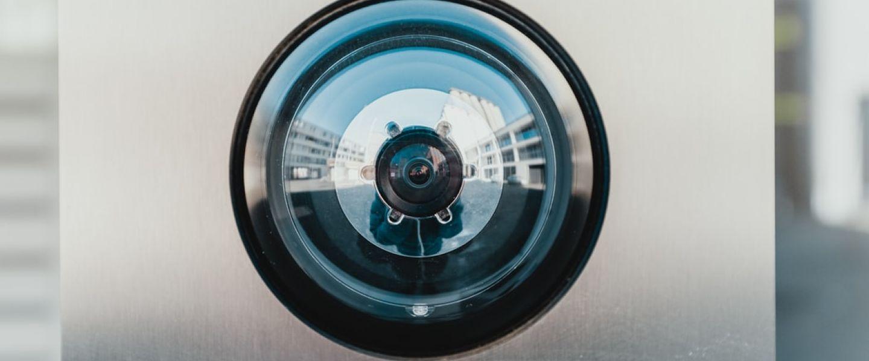 En cassant les prix de ses caméras de surveillance Ring, Amazon pousse à la parano